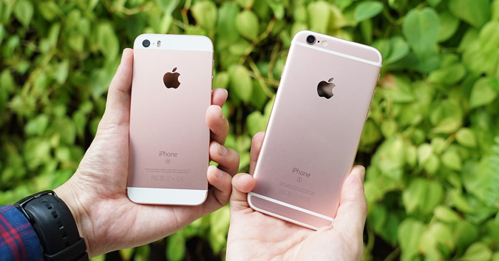 The rose gold iPhone 5s and rose gold iPhone 6s side by side