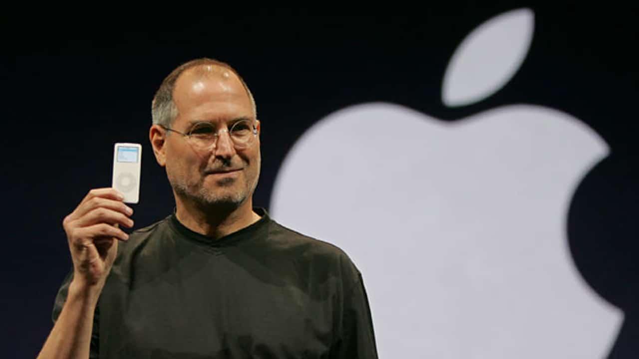 Steve Jobs introduces the iPod nano