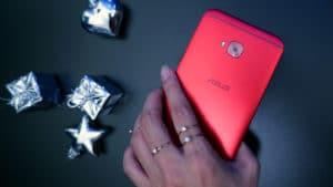 Red ASUS ZenFone 4 Selfie Pro