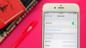 Apple iOS 11's Control Center doesn't let you switch off Bluetooth