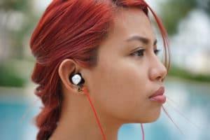girl using Meizu EP52 sports earphones