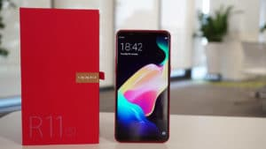 OPPO R11s in red