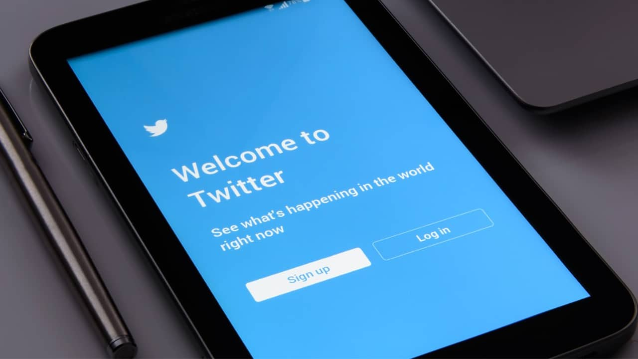 Twitter is secretly saving your deleted DMs   GadgetMatch