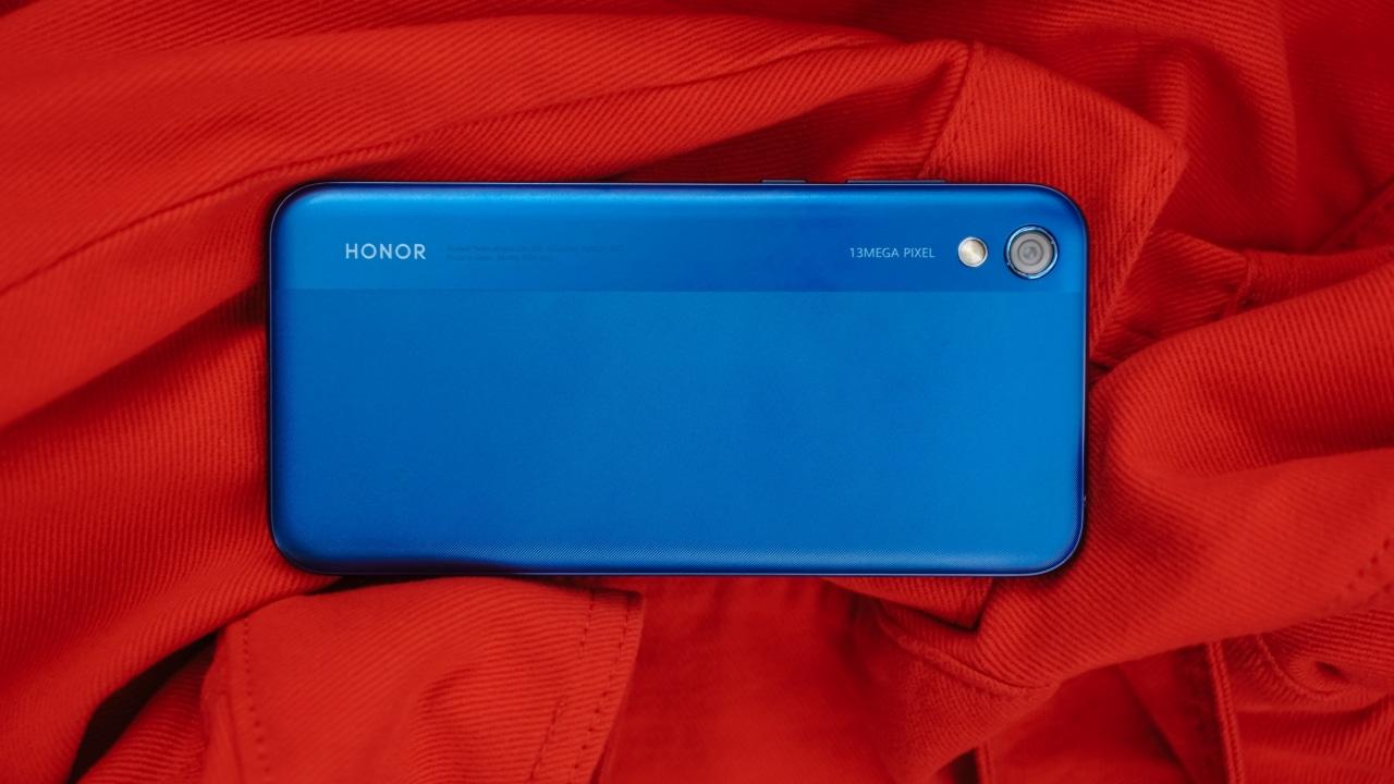 Honor 8S Hands-On: Looks premium, feels