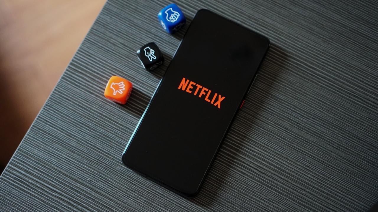 Netflix Shuffle POCO F2 Pro